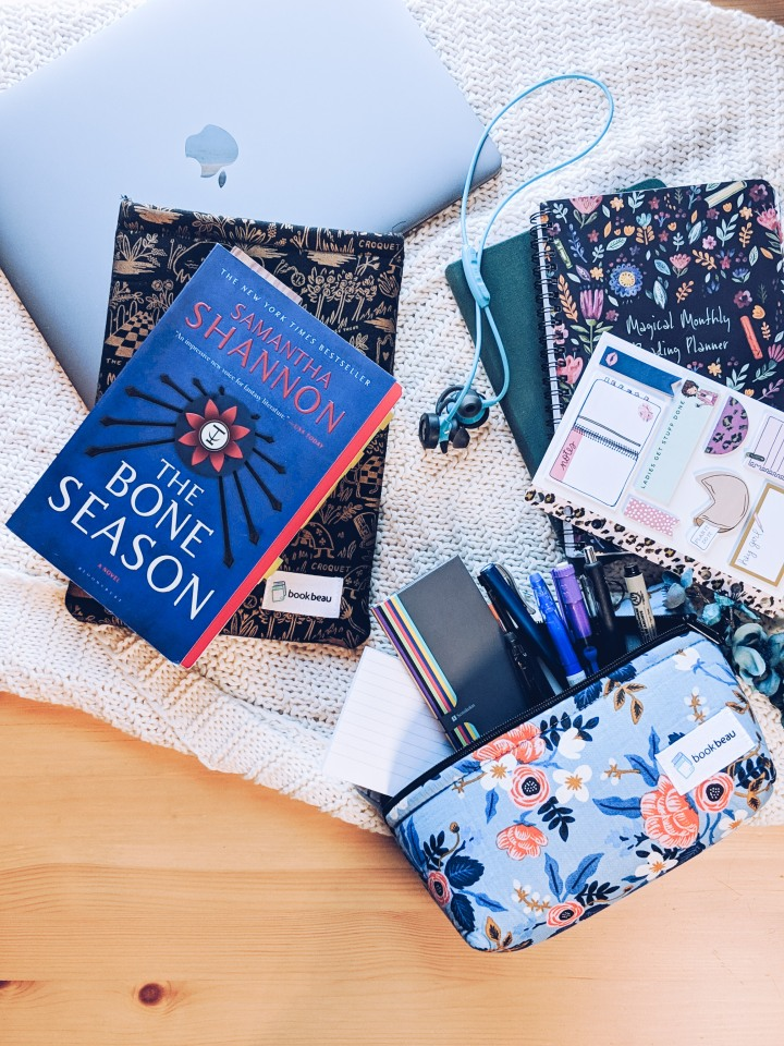 What's in my bag: book lover edition